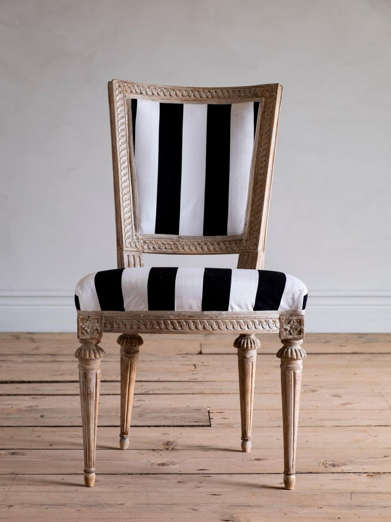 Set of Eight 18th Century Gustavian Dining Chairs For Sale 1