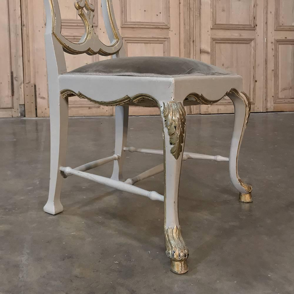 Beau Set Of Eight 19th Century Grey Painted And Gilded Italian Dining Chairs For  Sale 2