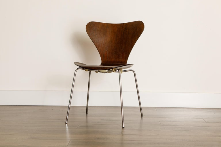 Set of Eight Arne Jacobsen for Fritz Hansen 'Series-7' Chairs, c. 1973, Signed  For Sale 6