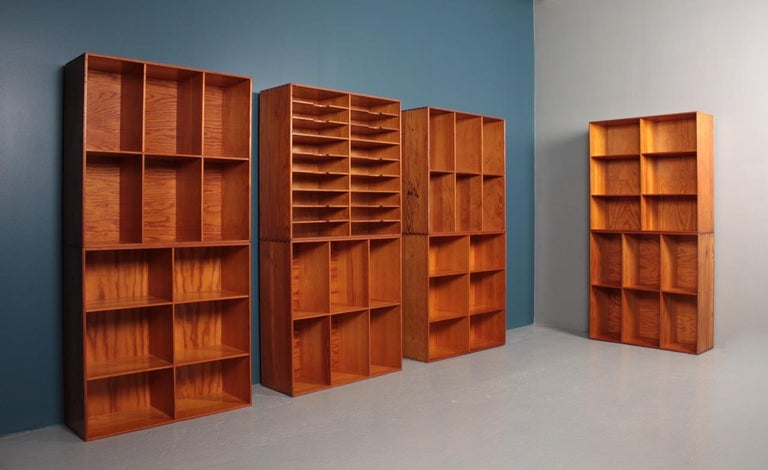 Set of Eight Bookcases in Pine by Mogens Koch, Danish Design, Midcentury, 1950s In Good Condition For Sale In Lejre, DK