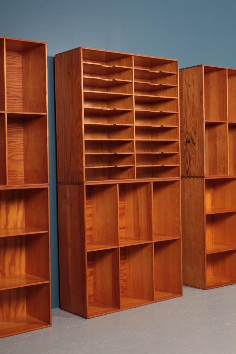 Mid-20th Century Set of Eight Bookcases in Pine by Mogens Koch, Danish Design, Midcentury, 1950s For Sale