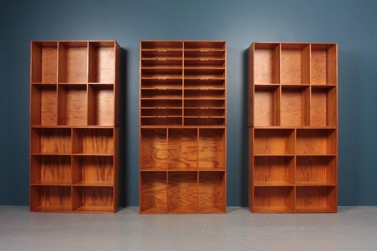 Set of Eight Bookcases in Pine by Mogens Koch, Danish Design, Midcentury, 1950s For Sale 2
