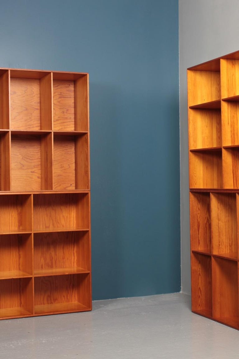 Set of Eight Bookcases in Pine by Mogens Koch, Danish Design, Midcentury, 1950s For Sale 3