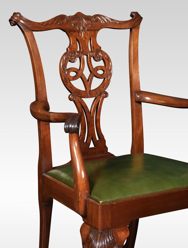 Mahogany Set of Eight Chippendale Style Dining Chairs For Sale