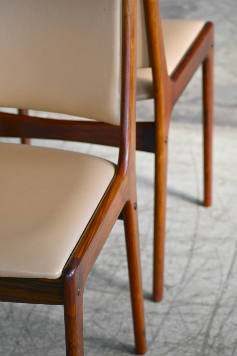 Set of Eight Danish Dining Chairs in Rosewood and Tan Leather by Johs Andersen For Sale 1