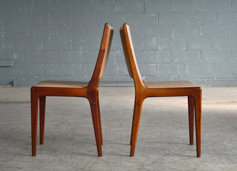 Set of Eight Danish Dining Chairs in Rosewood and Tan Leather by Johs Andersen For Sale 2