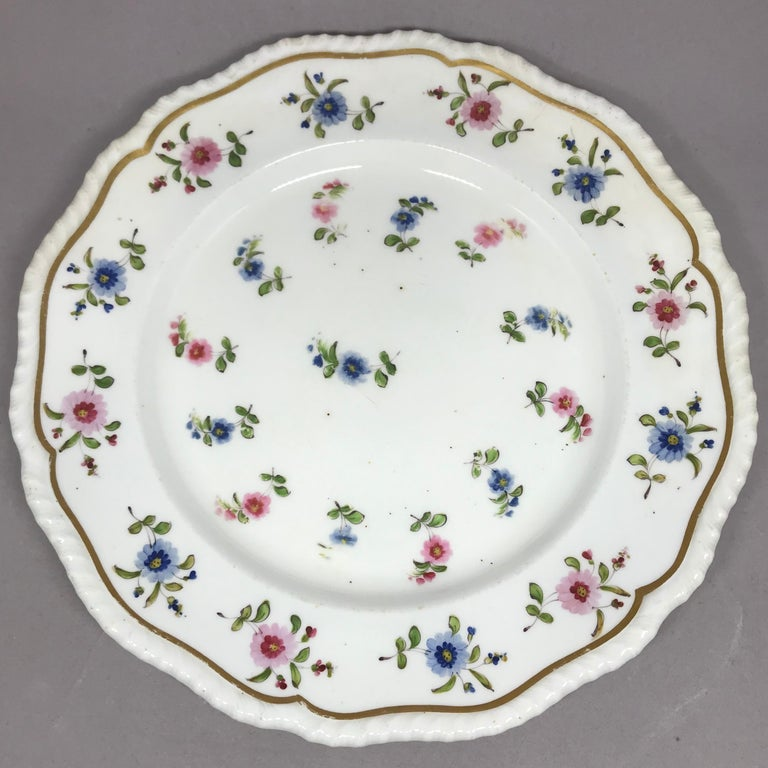 Set of Eight Blue and Pink Floral Plates In Good Condition For Sale In New York, NY
