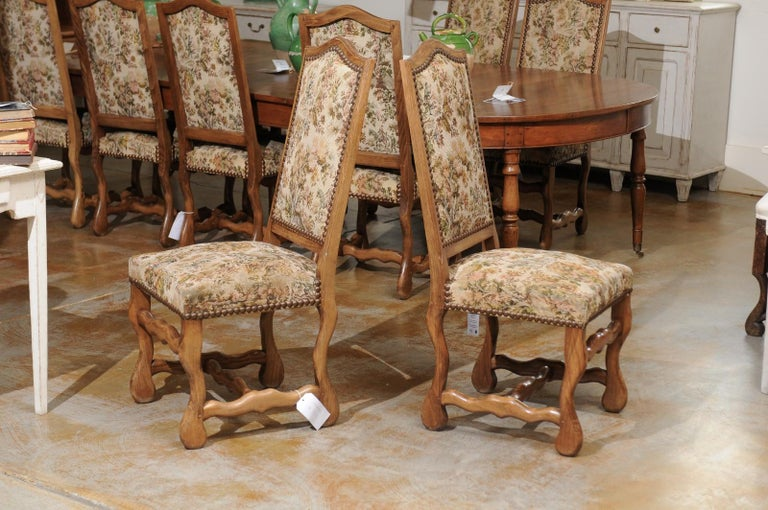 Set of Eight French Louis XIII Style Os de Mouton Dining Chairs with Tapestry For Sale 7