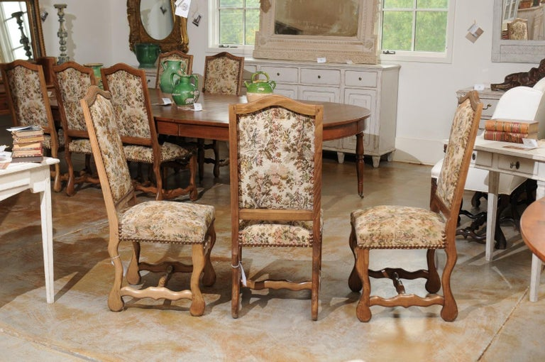 Set of Eight French Louis XIII Style Os de Mouton Dining Chairs with Tapestry For Sale 2