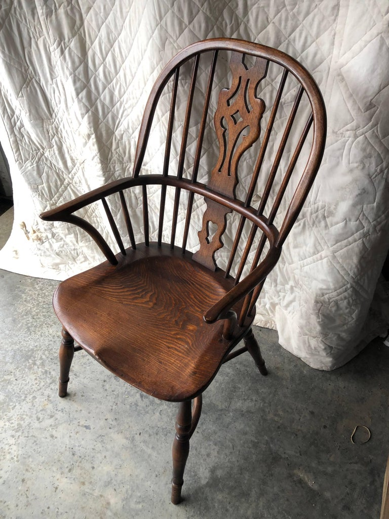 Set of Eight Georgian Style Windsor Dining Chairs For Sale 4