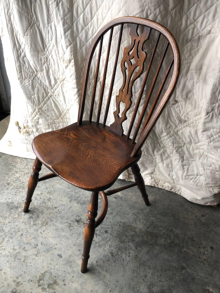 Set of Eight Georgian Style Windsor Dining Chairs For Sale 7