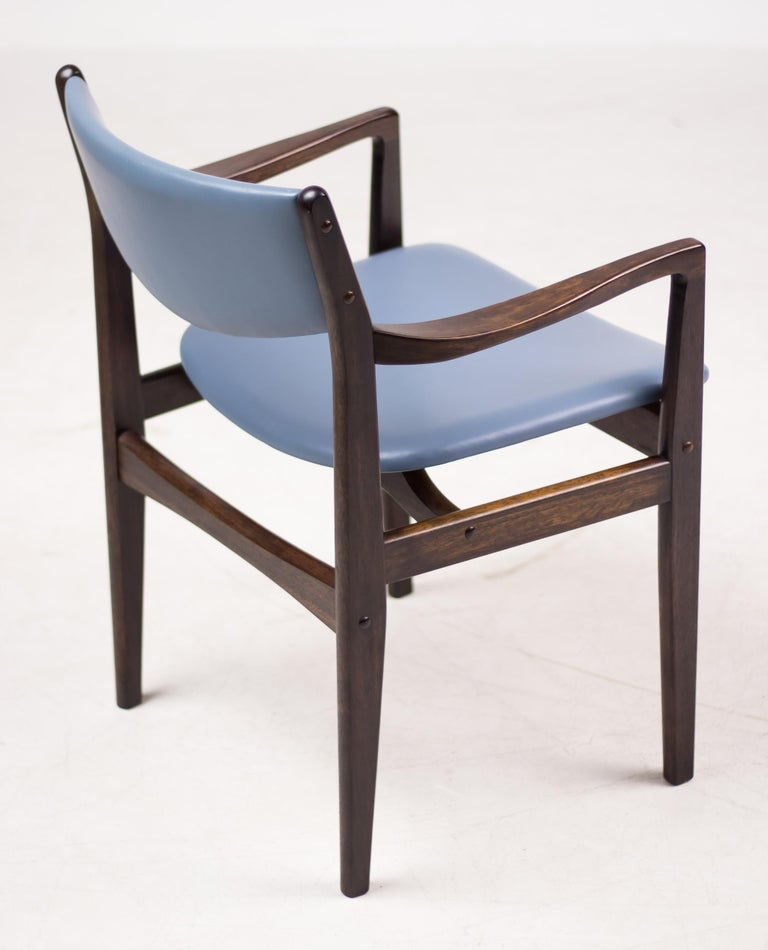 Set of Eight Godtfred Petersen Armchairs in Mahogany and Baby Blue Leather In Good Condition For Sale In Dronten, NL