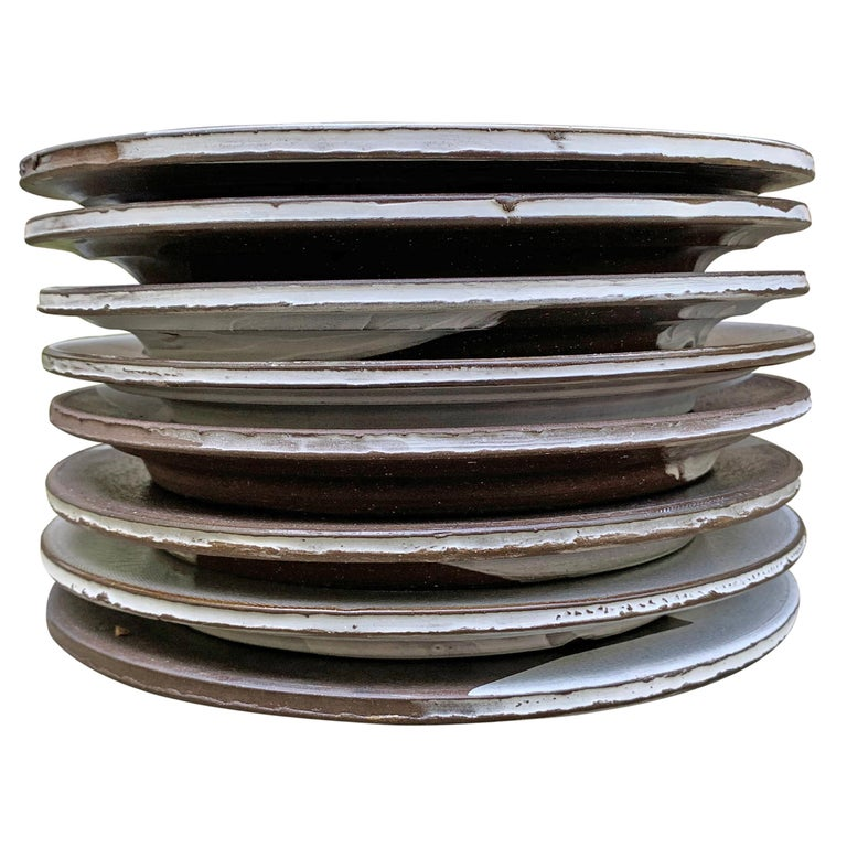 Set of Eight Hand-Thrown Stoneware Dinner Plates For Sale 10