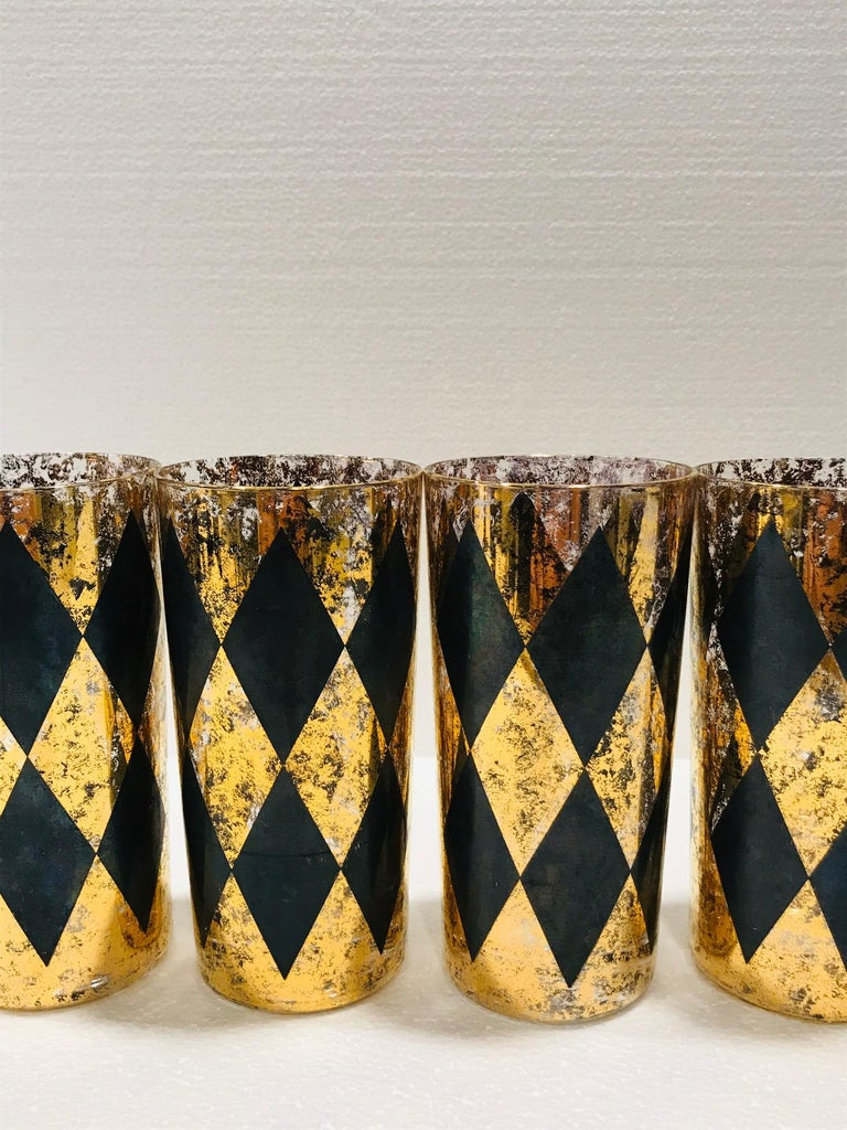 Set of Eight Hollywood Regency Barware Glasses in Gold and Black, 1960s For Sale 3