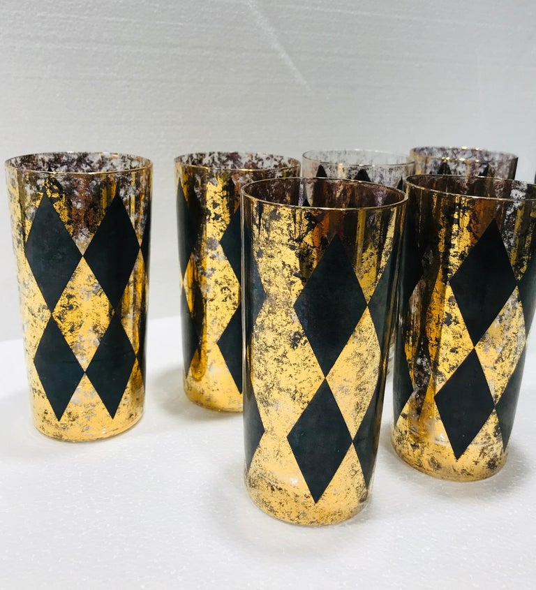 Set of Eight Hollywood Regency Barware Glasses in Gold and Black, 1960s For Sale 1