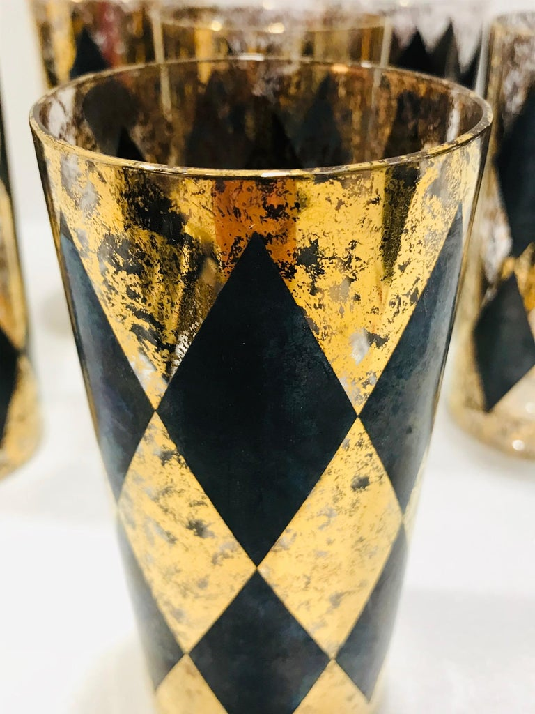 Set of Eight Hollywood Regency Barware Glasses in Gold and Black, 1960s For Sale 2