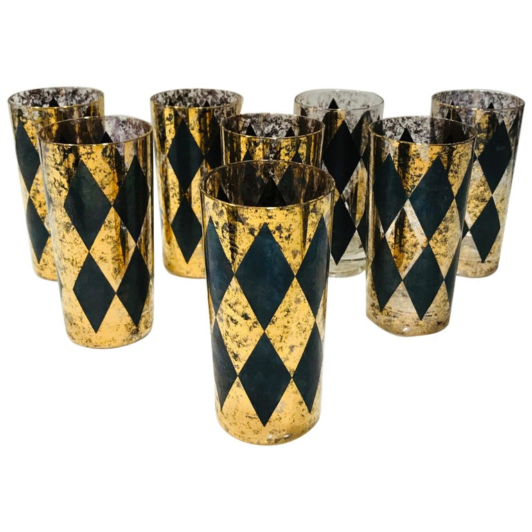 Set of Eight Hollywood Regency Barware Glasses in Gold and Black, 1960s For Sale
