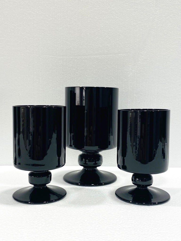 Set of Eight Hollywood Regency Black Opaque Crystal Stemware Glasses circa 1980s For Sale 4
