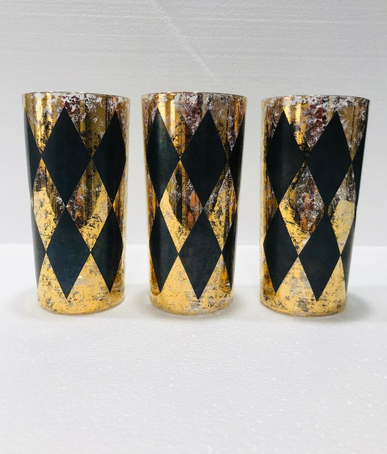 Blown Glass Set of Eight Hollywood Regency Tom Collins Barware Glasses in Gold & Black, 1960 For Sale
