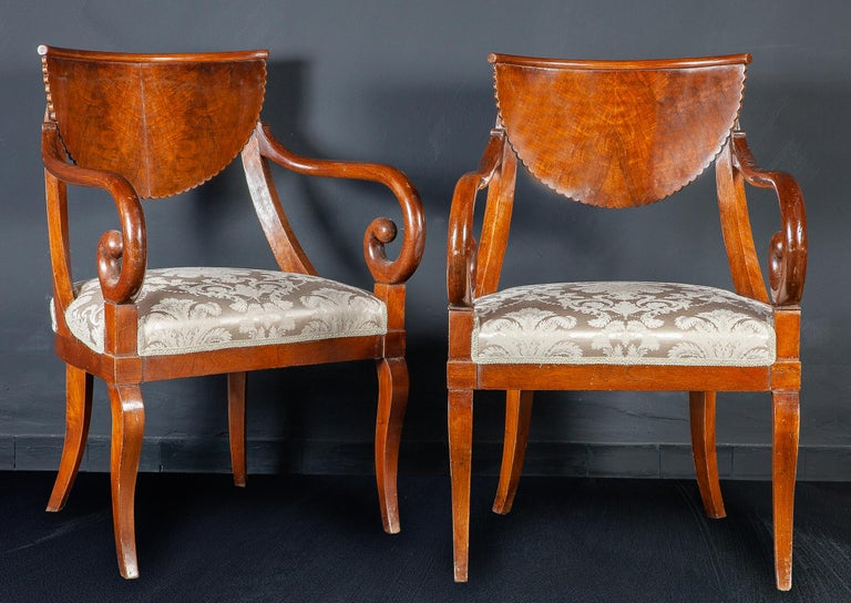 18th Century Set of Eight Italian Chairs and a Pair of Armchairs For Sale