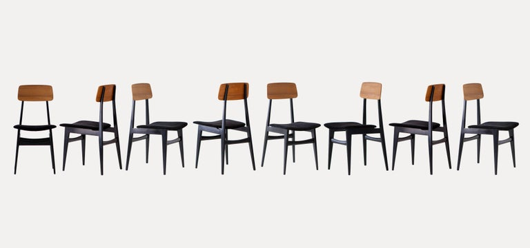 Mid-Century Modern Set of Eight Italian Dining Chairs, 1950s For Sale