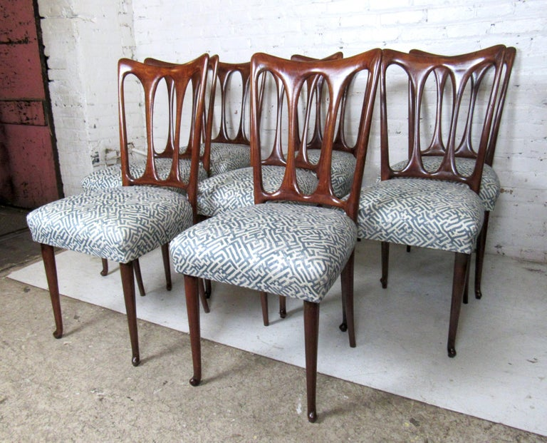 Set of Eight Italian Dining Chairs In Good Condition For Sale In Brooklyn, NY