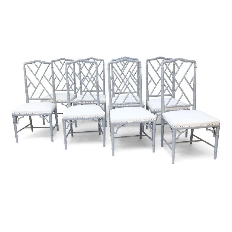 Mid-Century Modern Set of Eight-Light Gray Lacquered Dining Chairs For Sale