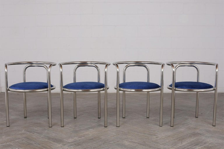Modern Set of Eight Barrel Back Chrome Dining Chairs In Good Condition For Sale In Los Angeles, CA