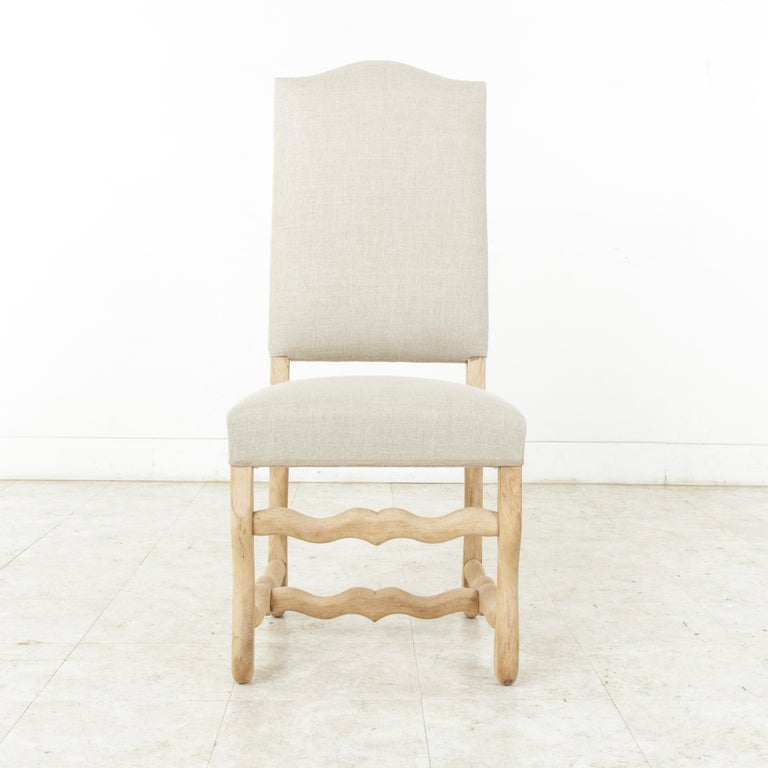 Set of Eight Midcentury French Oak Mutton Leg Side Chairs, Dining Chairs, Linen In Good Condition For Sale In Fayetteville, AR