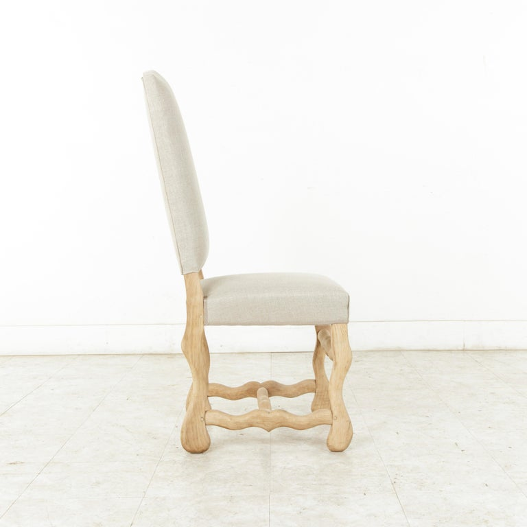 Set of Eight Midcentury French Oak Mutton Leg Side Chairs, Dining Chairs, Linen For Sale 2