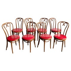 Set of Eight Mid-Century Modern Bentwood Thonet Dining Chairs or Cafe Chairs