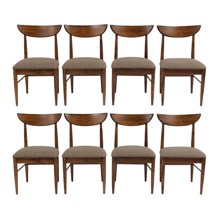Set of Eight Mid-Century Modern Dining Chairs For Sale