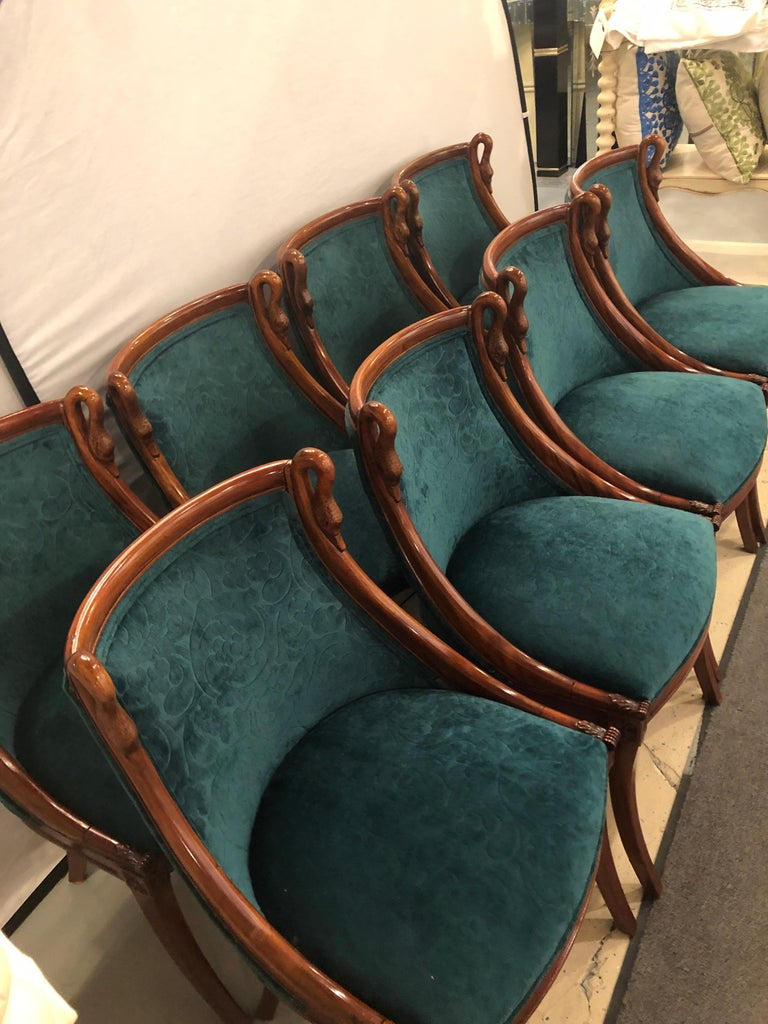 Set of Eight Mid-Century Modern or Federal Style Dining Side Chairs In Good Condition For Sale In Stamford, CT