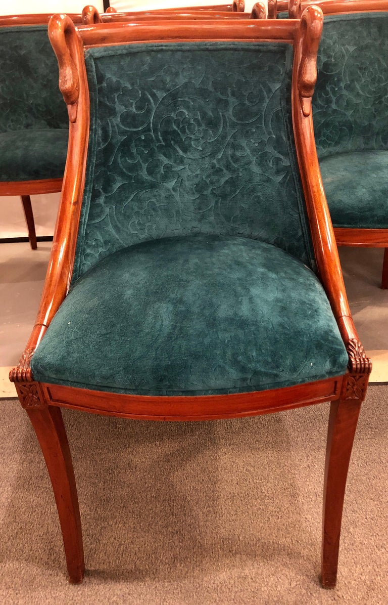 20th Century Set of Eight Mid-Century Modern or Federal Style Dining Side Chairs For Sale