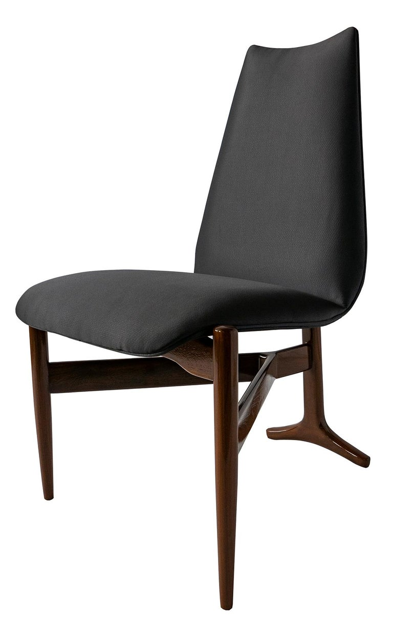Mid-Century Modern Set of 12 Italian Modern Chairs by Giuseppe Scapinelli For Sale