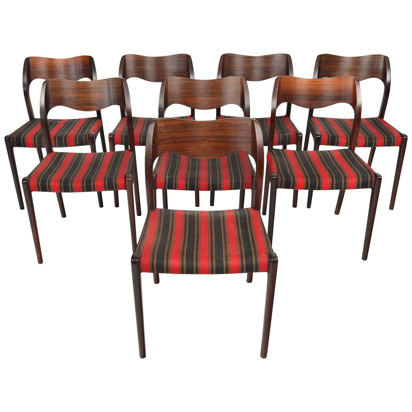 Set of Eight Moller Model 71 Midcentury Dining Chairs in Brazilian Rosewood