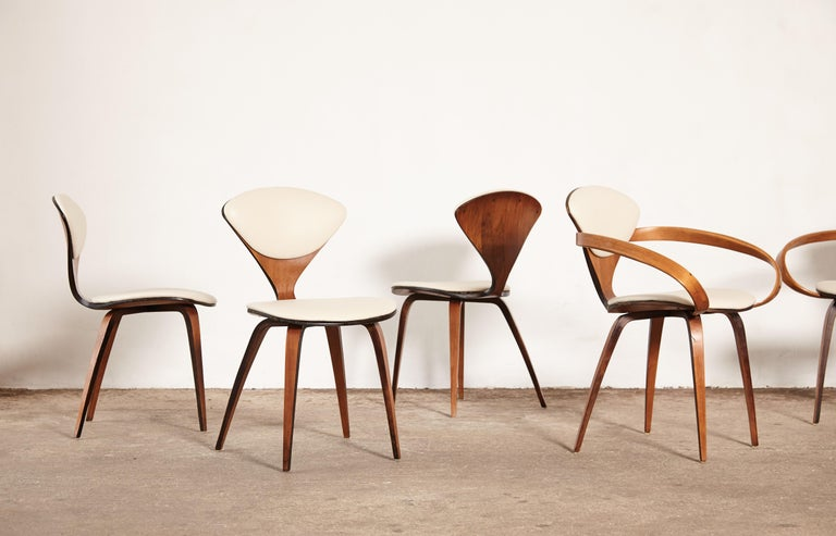 Set of Eight Norman Cherner Dining Chairs, Plycraft, USA, 1960s In Good Condition For Sale In London, GB