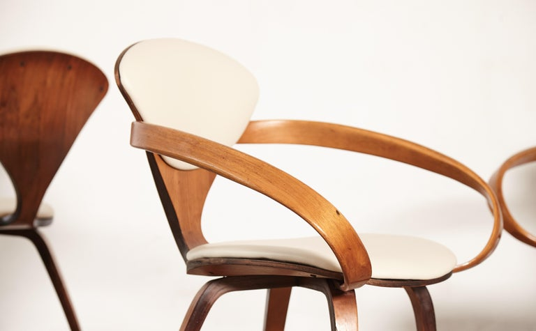 Faux Leather Set of Eight Norman Cherner Dining Chairs, Plycraft, USA, 1960s For Sale