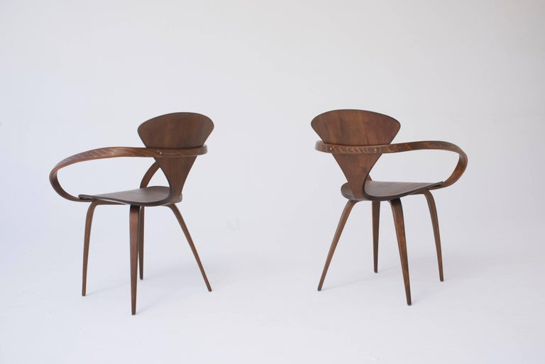 Set of Eight Norman Cherner Dining Chairs, Made by Plycraft in the USA, 1960s In Excellent Condition For Sale In London, GB