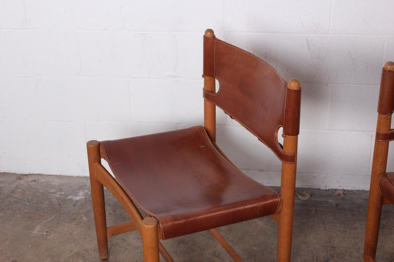 Set of Eight Oak and Leather Chairs by Børge Mogensen For Sale 1