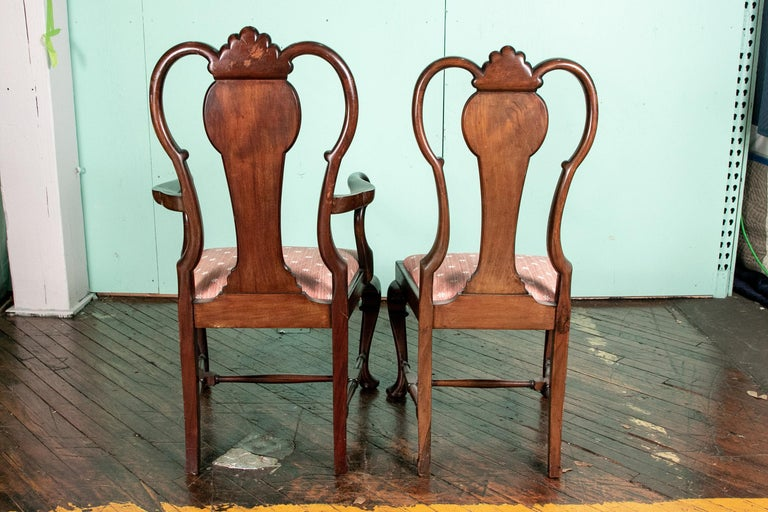 Set of Eight Queen Anne Style Cuban Mahogany Dining Chairs In Good Condition For Sale In Bridgeport, CT
