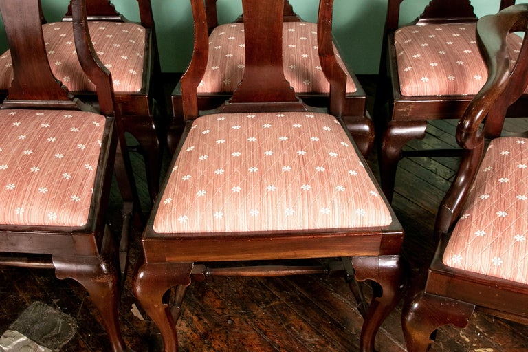 20th Century Set of Eight Queen Anne Style Cuban Mahogany Dining Chairs For Sale