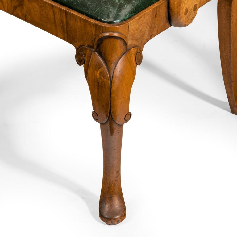 Set of Eight Queen Anne Style Walnut and Figured Elm Vase Splat Dining Chairs For Sale 2