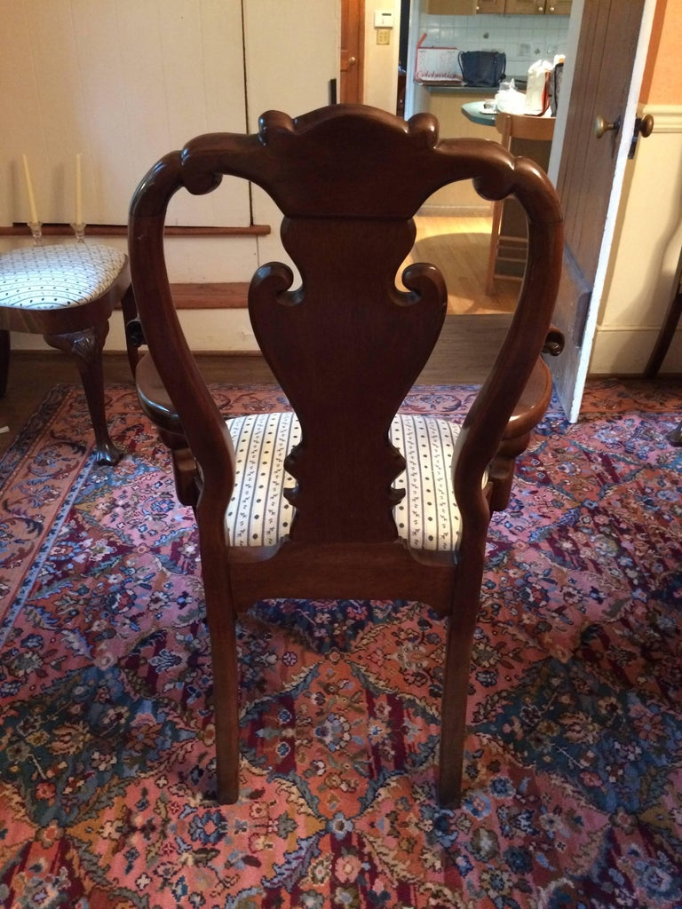 American Set of Eight Regal Queen Anne Style Mahogany Dining Chairs For Sale