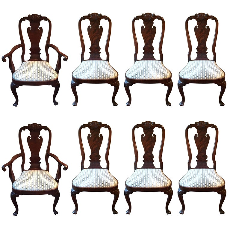 Set of Eight Regal Queen Anne Style Mahogany Dining Chairs For Sale