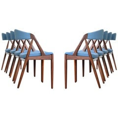 Set of Eight Rosewood Kai Kristiansen Dining Chairs Model 31 for Schou Andersen
