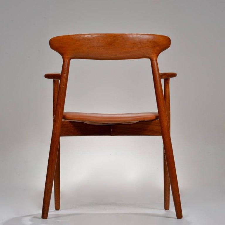 Set of 12 Teak Dining Chairs by Harry Østergaard for Randers Møbelfabrik For Sale 4