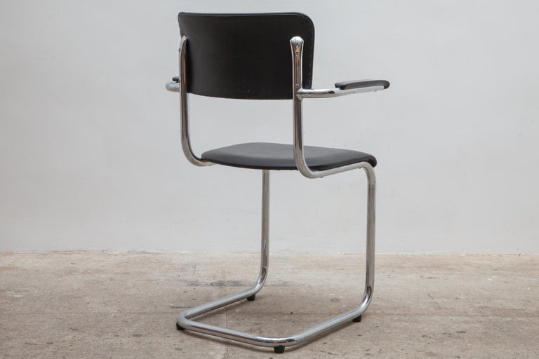 Set of Seven Tubax Cantilever Armchairs, Belgium In Good Condition For Sale In Antwerp, BE