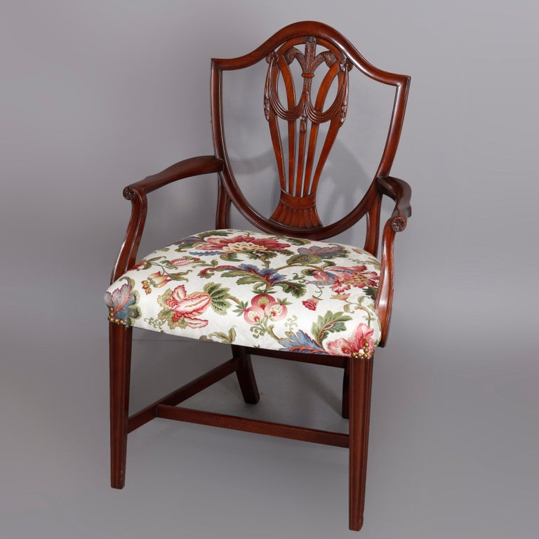 Federal Set of Eight Vintage English Mahogany Shield Back Dining Chairs, circa 1930 For Sale