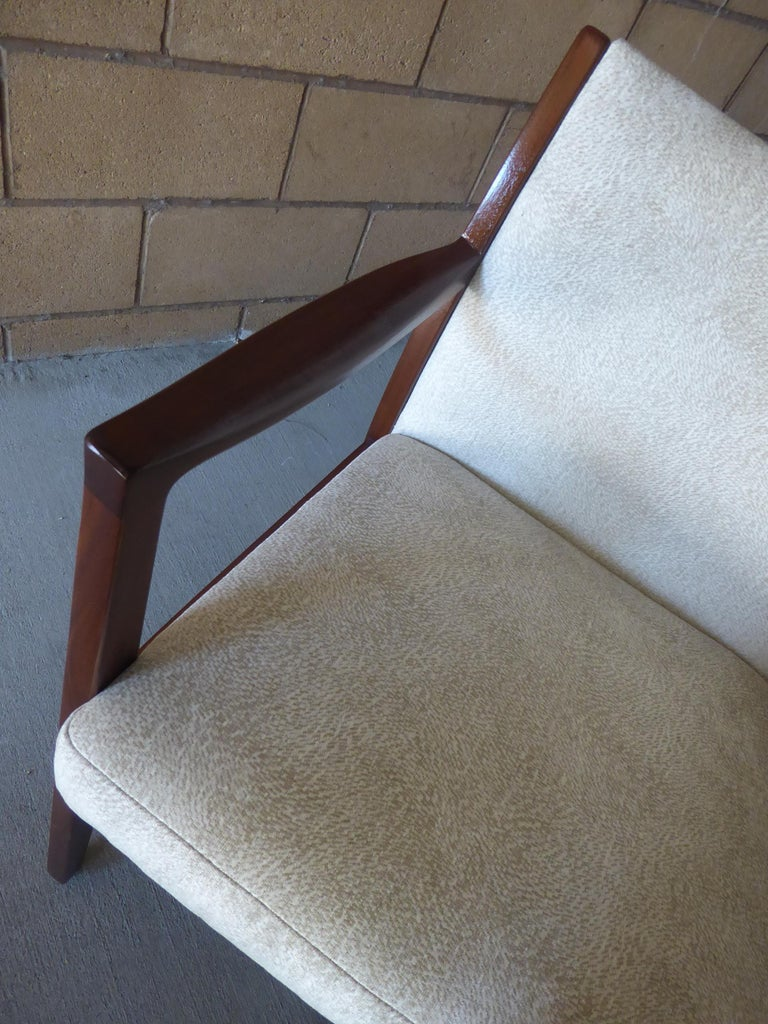 Set of Eight Walnut Dining Chairs by Johnson Chair Co. circa 1950s For Sale 6